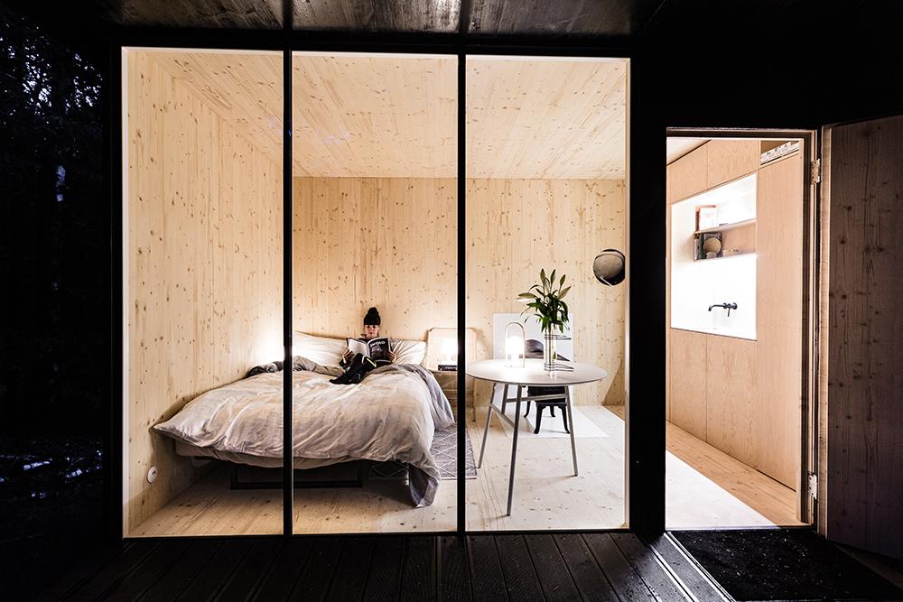 malý víkendový domček z dreva