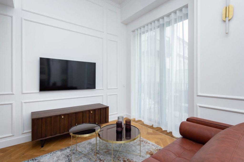 Obývačka s okrasnými lištami