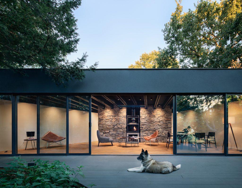 Otvorená stena záhradného domčeka