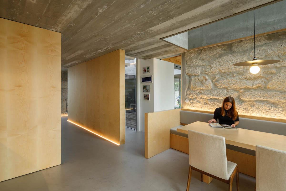Casa Rio em Paredes do Atelier de Arquitectura Paulo Merlini Architects com fotografia de arquitetura Ivo Tavares Studio