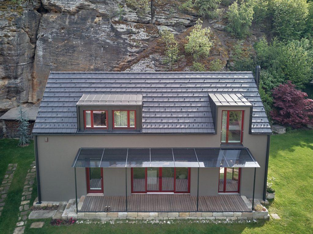 Rodinný dom pri skale