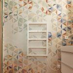 Farebná mozaika v kúpelni