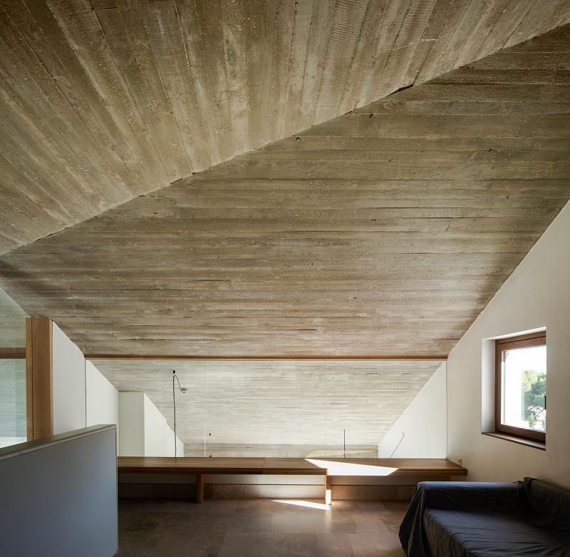 Stropy odhaľujú konštrukčný betón