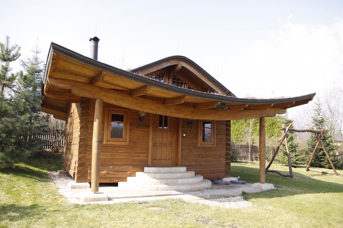 Dom_Hniezdo2