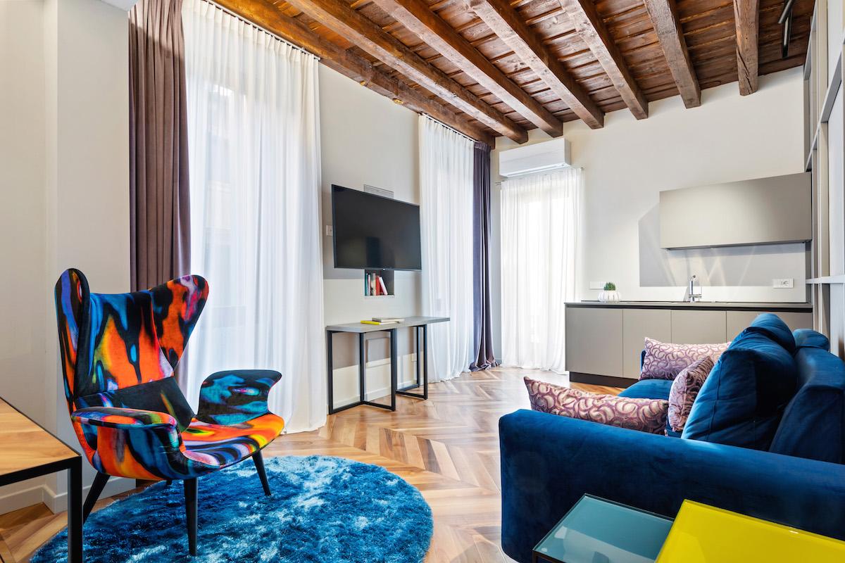 Eclettico appartamento con terrazzo – 2