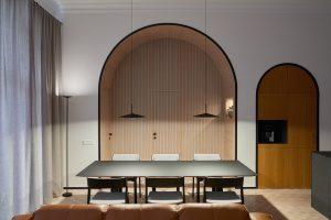 Úplne iný byt: Dominantné oblúky a luxus aj napriek malej ploche