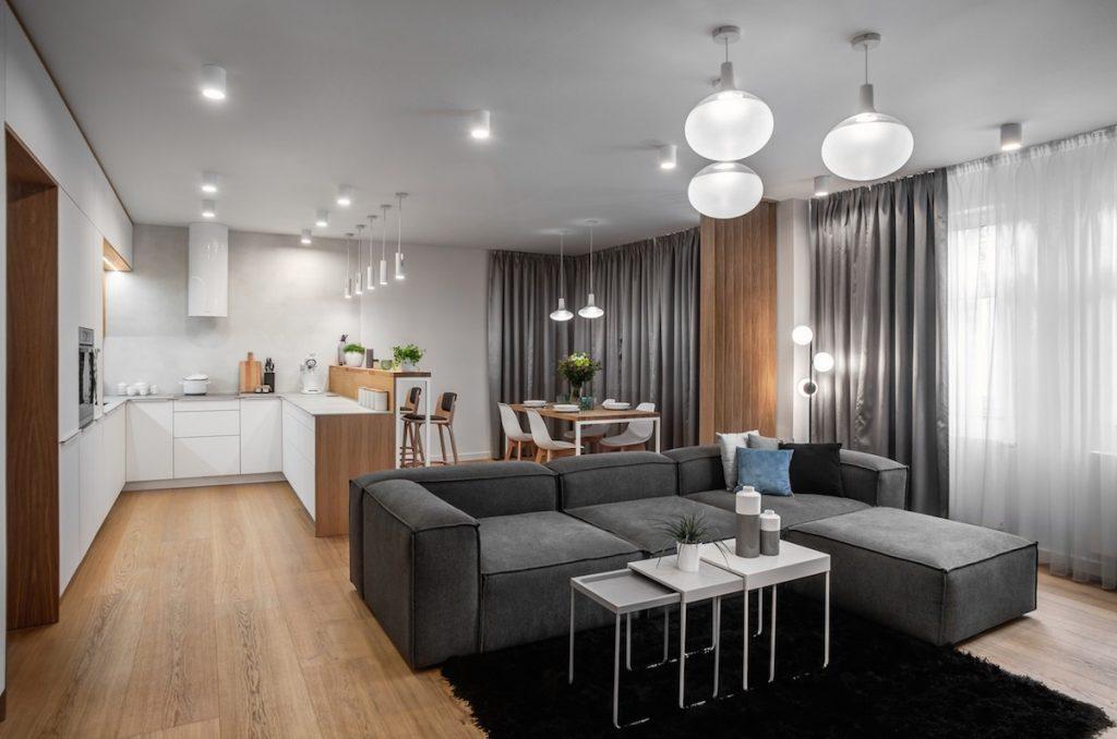 Katastrofálny stav bytu spôsobil prepadnutie stropu. Ako vyzerá po náročnej rekonštrukcii?