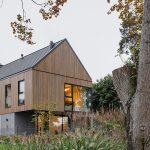 komplex dvoch rodinných domov v Poľsku pri jazere