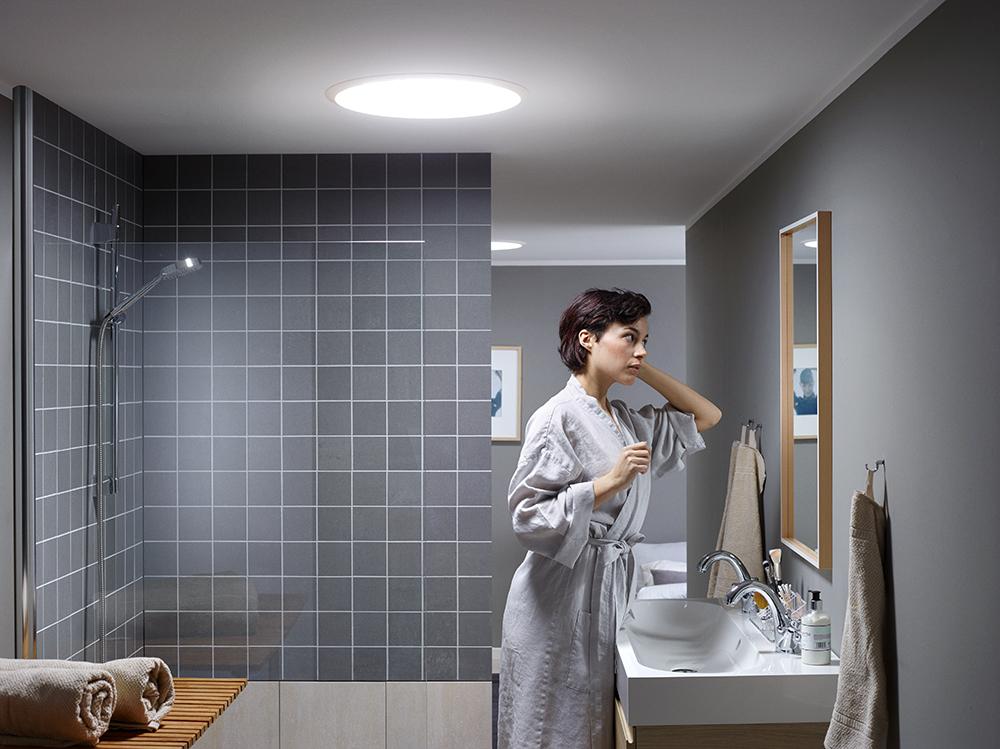 svetlovod v kúpeľni