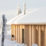 drevená chata v horách