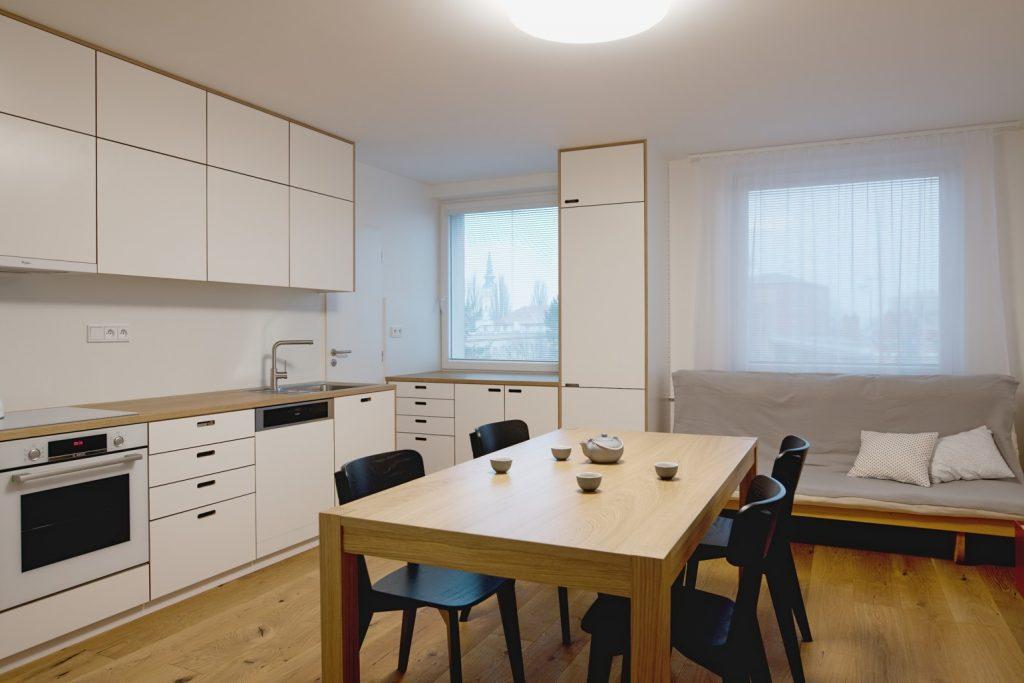 Typický panelákový byt v dezolátnom stave po radikálnej premene od podlahy