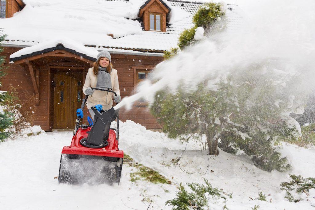 Jednostupňová benzínová snehová fréza