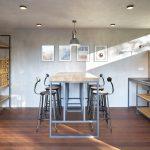 Letná kuchyňa s barovým stolom