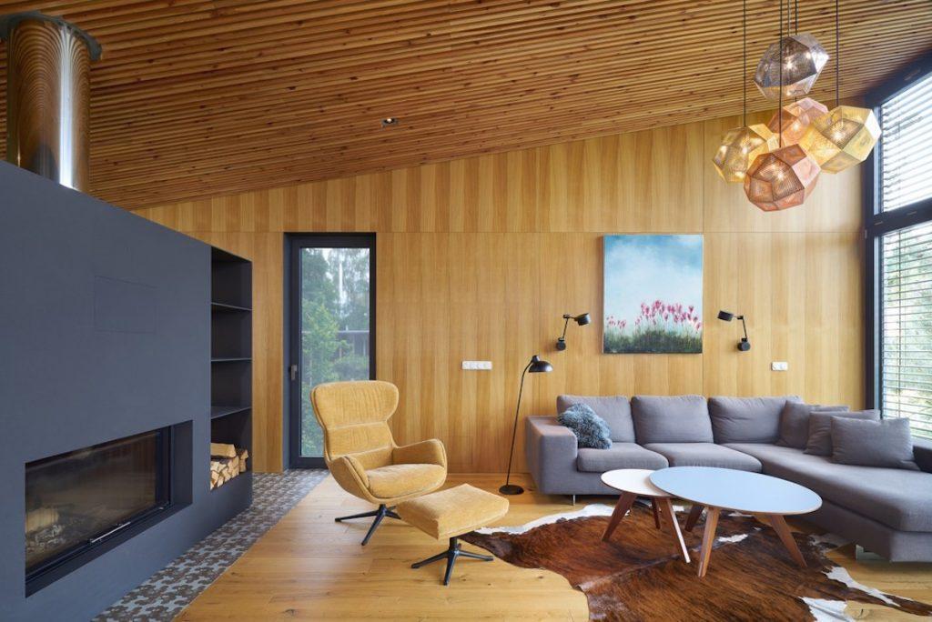 Súťaž Interiér roku: Vkusne zariadená dvojpodlažná chata odkazuje na pôvodnú stavbu