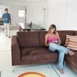 Moderná podlaha v obývacom priestore