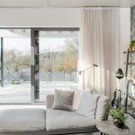 Výhľad na terasu z obývačky