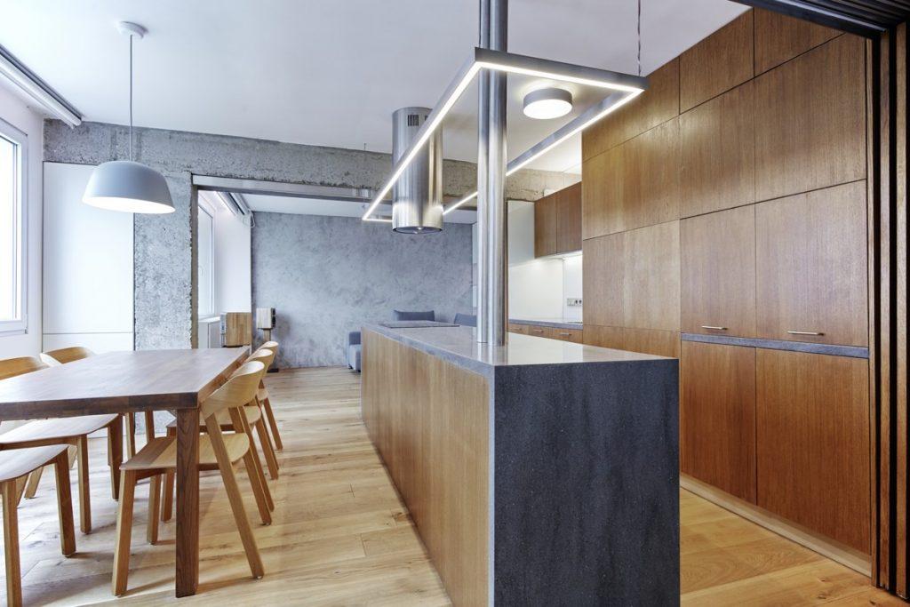 Kuchynská linka z dreva