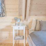 Nočný stolík v spálni