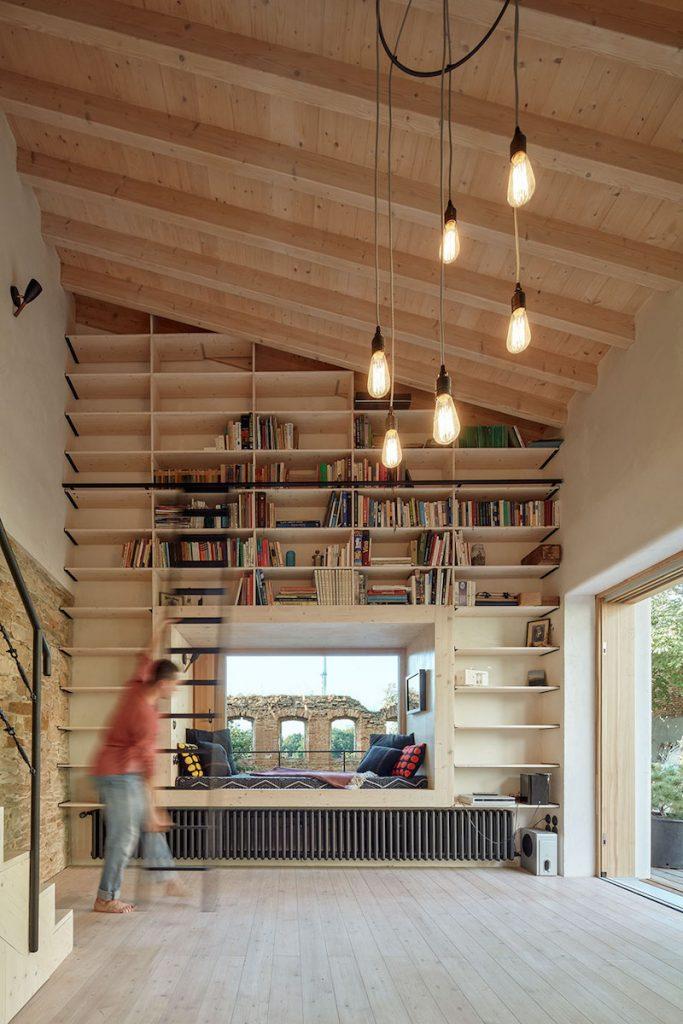 knižnica vo víkendovom dome