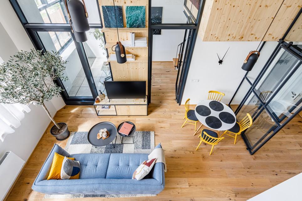 Súťaž Interiér roku: Neobyčajný loftový byt v priestoroch bývalej továrne