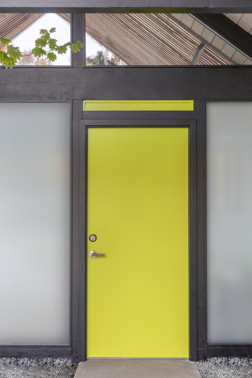 Žlté vchodové dvere