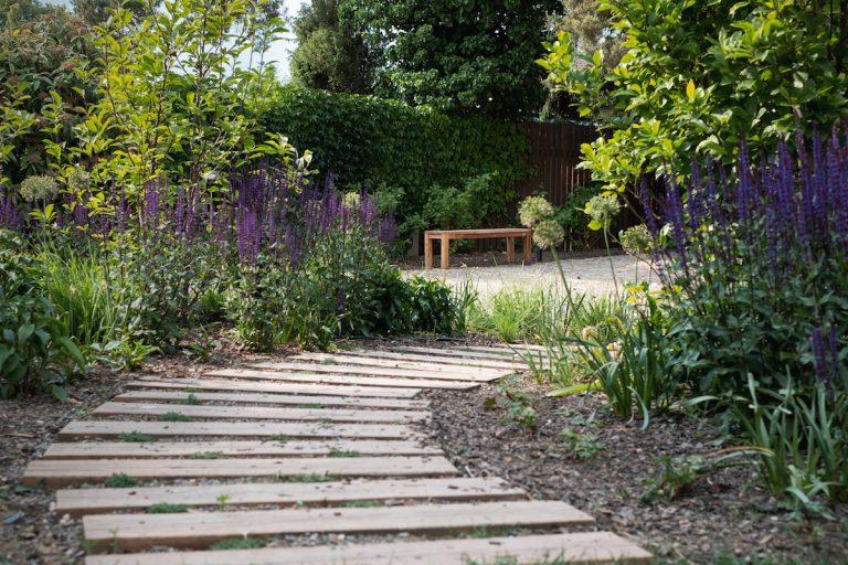Zakladáme záhradu: 13 tipov pre začínajúcich záhradkárov