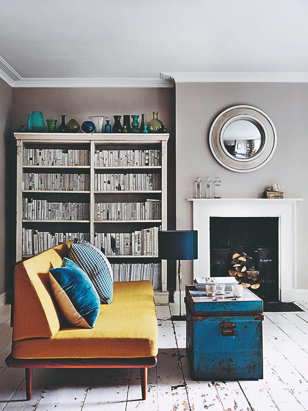 Modré detaily v obývačke