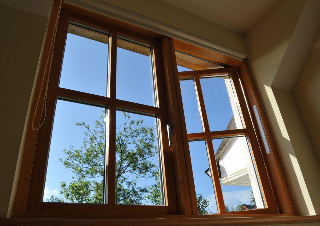 Rozmýšľate nad kúpou nových okien? Expert vám poradí, čo si všímať pri ich výbere