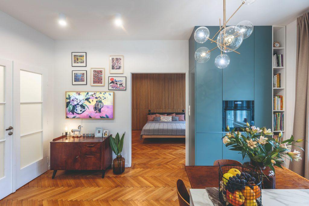 obývacia izba s prechodom do spálne