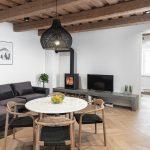 Jedálenský stôl v obývačke