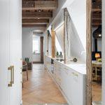 Kuchynská linka na stene bytu