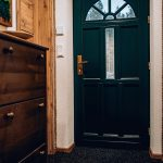 Vchodové dvere do chaty