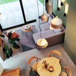 Pohľad zhora na obývačku a jedáleň