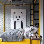 Posteľ s tapetou pandy