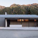 Dom so šikmou strechou