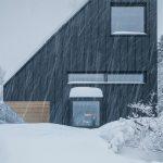 Víkendový dom so skosenou strechou