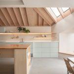 Kuchyňa s ostrovčekom a podsvietením