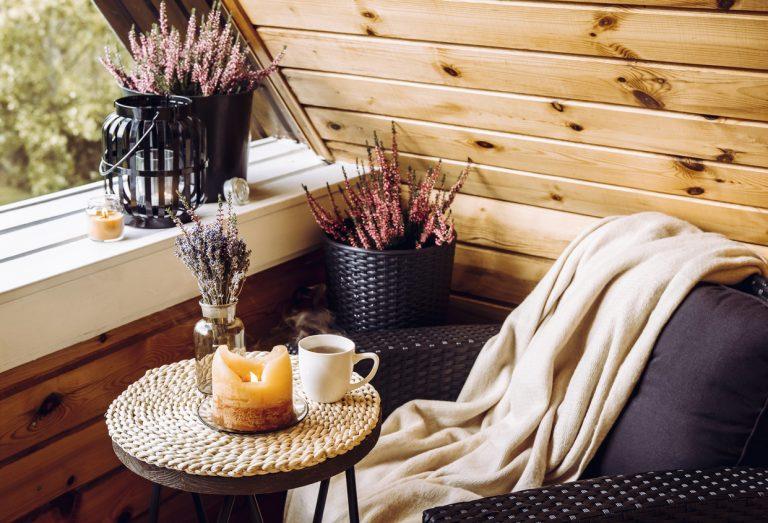 Neviete, čo s malým balkónom? Týchto 5 nápadov ho premení na miesto, kde budete radi tráviť čas
