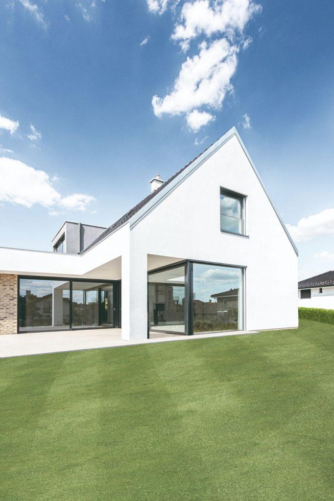 Vzorový dom s presklenými plochami