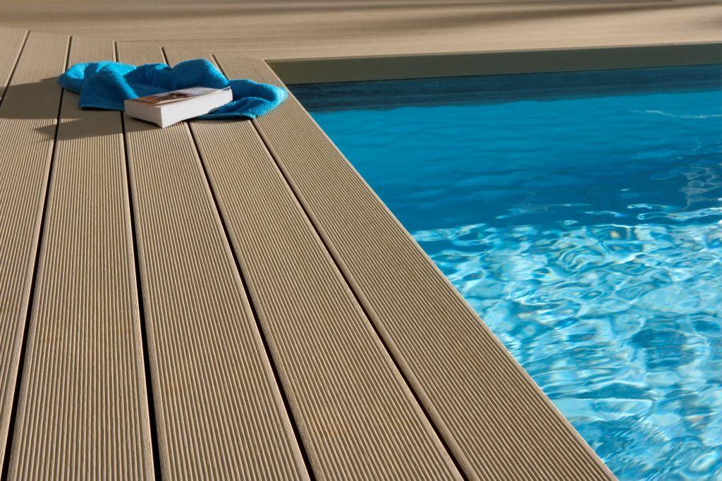 okolie bazéna