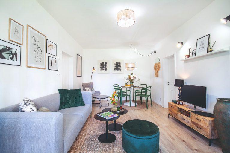 Aj sídliskový byt môže byť krásny! Štvorizbák v Košiciach zladili v prírodnom duchu