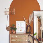 Farebný oblúk v miestnosti