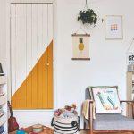 Pomalované dvere v detskej izbe