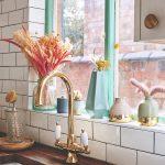 Kuchyňa s mentolovými detailmi