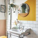 Kúpeľňa s farebným detailom