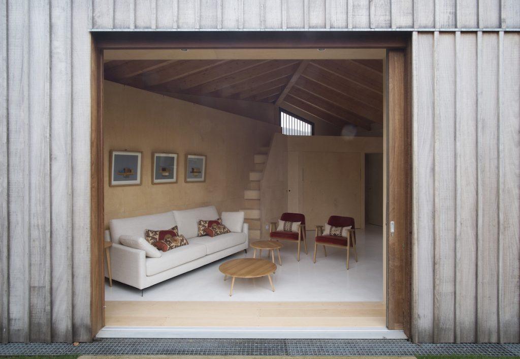Ako urobiť z malej chatky vidiecky dom na trvalé bývanie?