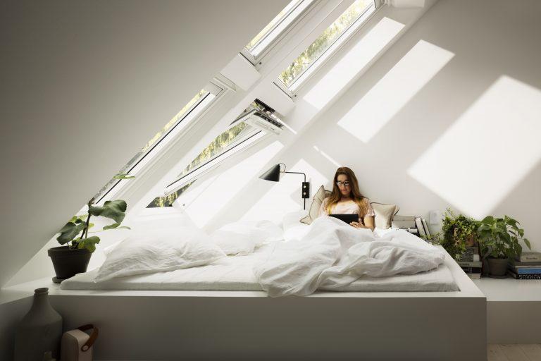 Strešné okná pomáhajú zdravo spať a šetriť