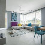 Otvorená obývačka v sivej
