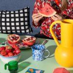 Jedálenský stôl s ovocím