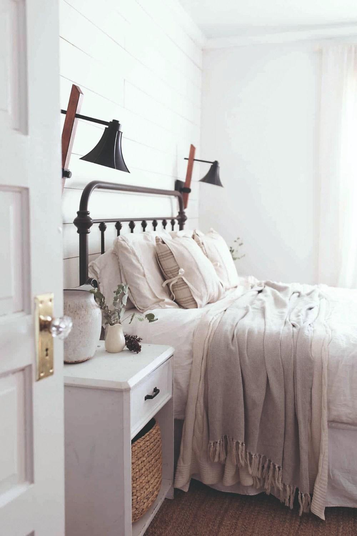 Spálňa v provensalskom štýle
